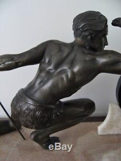 Jean De Roncourt Sculpture Regulates Hunter Jäger Pendulum Art Deco Bronze No. 1930