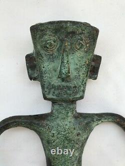 Sculpture Art Brut In Bronze Patinated Character Eyes Exorbities