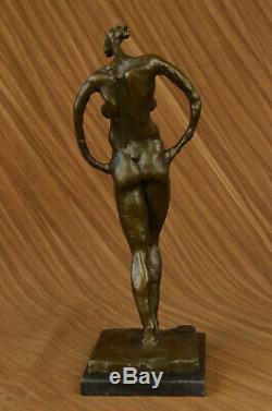 Abstrait Moderne Art Femelle Femme Bronze Artiste Par Dali Sculpture Figurine