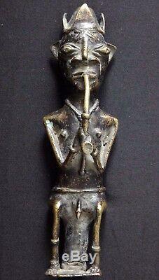 Ancien bronze Benin fumeur pipe africain Antique african art sculpture