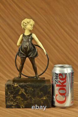 Art Déco Bébé École Fille Playing Bronze Sculpture Avec Faux OS Figurine Solde