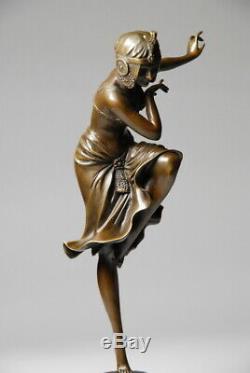 Art Nouveau Belle sculpture signée D. H. Chiparus bronze. Envoi gratuit