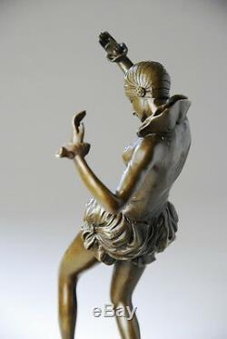 Art Nouveau, belle sculpture signée Nick- bronze, beaux détails, envoi gratuit