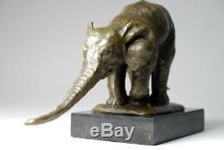 Art animalier- bel éléphanteau en bronze signé Bugatti envoi gratuit