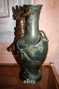 Auguste Moreau Grand vase fonte d'art patine bronze VICTRIX à restaurer 44cm