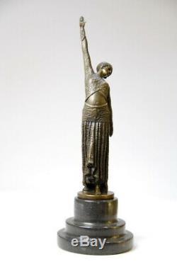 Belle sculpture- Art Nouveau de D. Chiparus- bronze- beaux détails