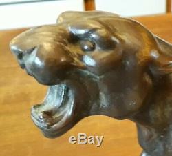 Bronze Lionne blessée Art Décoration
