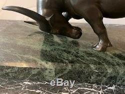 Ecole des Arts Appliqués de BIEN HOA, Buffle chargeant en bronze à patine brune
