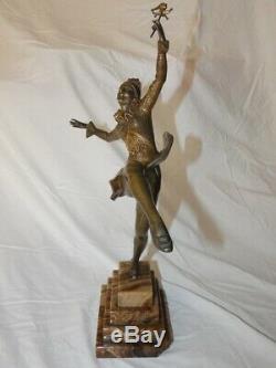 Grand et très beau bronze Art Déco Arlequin danseur, signé JOURDAIN