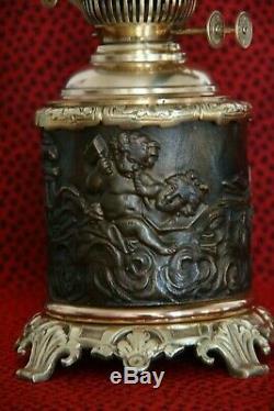 Grande lampe à pétrole les arts la sculpture et l'écriture les 2 amours