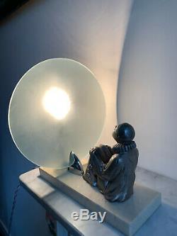 Lampe Art Déco verre blanc sculpture sur marbre clown regardant la lune