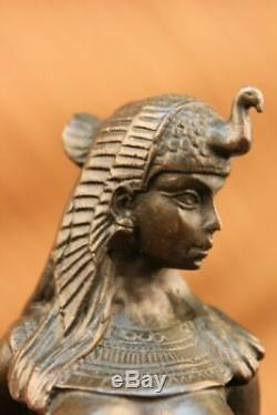 Main Égyptien Reine Cléopâtre Bronze avec Lion Art Sculpture Statue Figurine