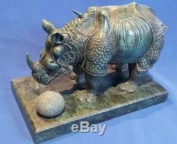 Rare bronze d'art Salvador Dali rhinocéros dürerien habillé en dentelle sculptur