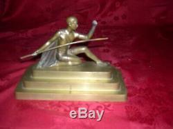 Rare bronze sculpture époque art deco signé voltas representant une guerrière
