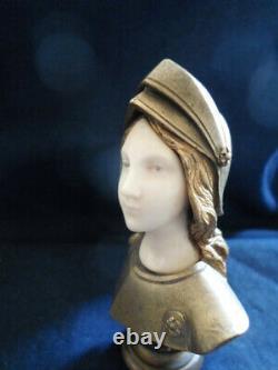 Sculpture bronze cachet art nouveau jehanne d'Arc par Madrassi, env 86x56mm