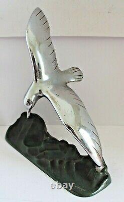 Sculpture de mouette Art Déco en bronze chromé signée E. Fevre