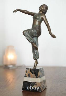Sculpture en bronze Danseuse Art Nouveau / Art Deco Signée Charles Muller