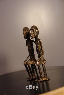 Sculpture figurine couple priomordial en bronze Dogon Art premier africain Mali