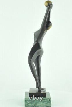 Statue Sculpture Danseuse Nue Style Moderne Style Art Deco Bronze massif Signe