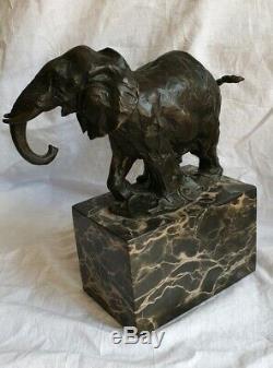 Statue / Sculpture En Bronze Signé Milo Éléphant Art Déco