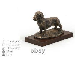 Teckel à poil dur, statue de chien sur une base en bois, limitée Art Dog FR